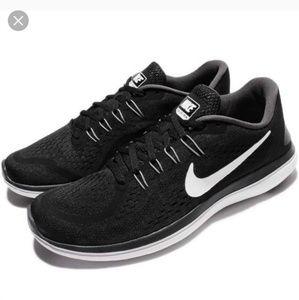 NIKE Flex Run 2017 Mens Running Shoes Black White